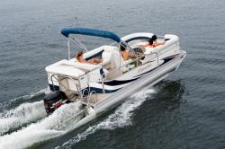 2011 - Manitou Boats - 24 Encore