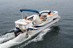 2011 - Manitou Boats - 27 Encore SES