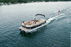 2011 - Manitou Boats - 20 Oasis