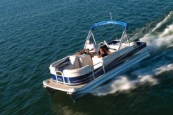2011 - Manitou Boats - 22 Oasis Angler