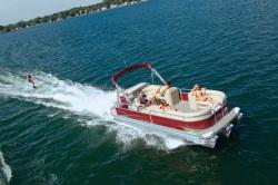2011 - Manitou Boats - 18 Aurora