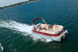 2011 - Manitou Boats - 20 Aurora Angler