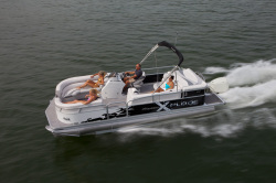 2013 - Manitou Boats - 23 X-Plode
