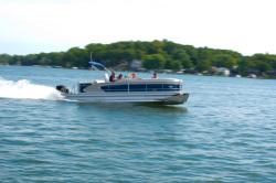 2013 - Manitou Boats - 25 Legacy Twin Tube