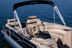 2013 - Manitou Boats - 23 Oasis SESR VP