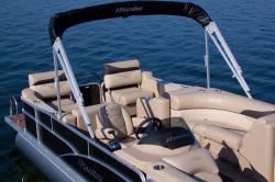 2013 - Manitou Boats - 23 Oasis SESR Twin Tube