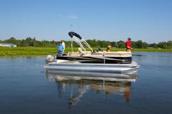 2013 - Manitou Boats - 20 Oasis Angler Twin Tube