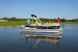 2013 - Manitou Boats - 20 Oasis Angler VP
