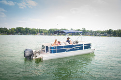 2015 - Manitou Boats - 23 Oasis SHP