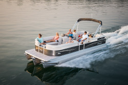 2015 - Manitou Boats - 25 Aurora SHP