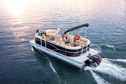 2017 - Manitou Boats - Aurora 20 RF