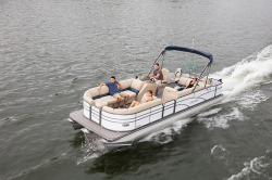 2017 - Manitou Boats - Encore Pro Angler 22 Full Front