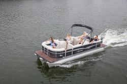 2017 Manitou Boats Oasis 23 Standard