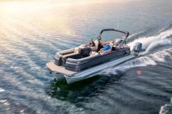 2017 - Manitou Boats - Legacy LT 23 SRS Dual Engine