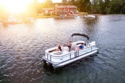 2017 - Manitou Boats - Oasis 23 SE
