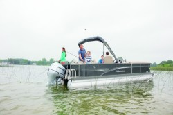 2017 - Manitou Boats - Oasis Angler 22 Full Front