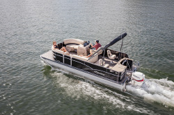 2018 - Manitou Boats - Aurora Angler LE 22 Full Front