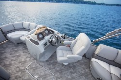 2018 - Manitou Boats - SES 23 Entertainer