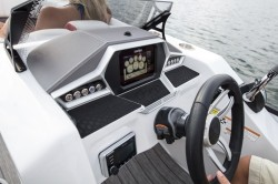 2018 - Manitou Boats - X-Plode 23 RFXW Dual Engine