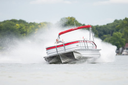 2019 - Manitou Boats - X-Plode 23 SRS