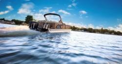 2019 - Manitou Boats - Legacy 23 SRS
