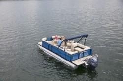 2020 - Manitou Boats - Aurora LE 20 Bar