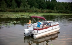 2020 - Manitou Boats - Oasis Angler 22 Full Front