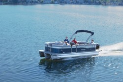 2020 - Manitou Boats - Oasis 23 SR