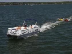 Manitou Boats - 24 Oasis