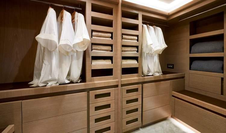 l_mcy80_owner_ensuite_wardrobe1