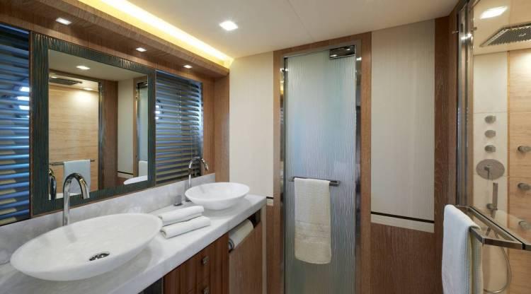 l_mcy86_owner_cabin_en_suite