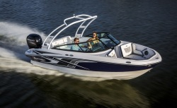 2019 - Monterey Boats - M-205