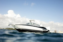 2019 - Monterey Boats - 305 SS