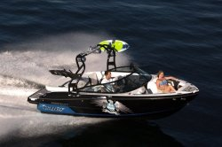 2019 - Monterey Boats - 218 Surf