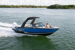 2020 - Monterey Boats - 235SS