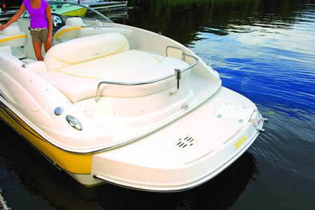 l_Monterey_Boats_263_ES_2007_AI-242955_II-11349561