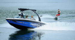 2012 - Moomba Boats - Mobius LSV