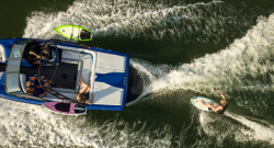 2015 - Moomba Boats - Outback V