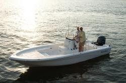 2013 - Nauticstar Boats - 2200 Sport CC