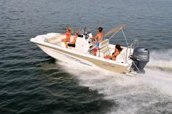 2015 - Nauticstar Boats - 210 Angler