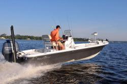 2015 - Nauticstar Boats - 214 XTS