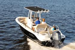 2016 - Nauticstar Boats - 2102 Legacy