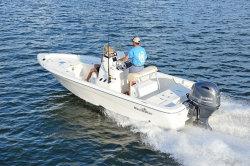 2018 - Nauticstar Boats - 211 Coastal