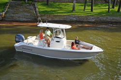 2018 - Nauticstar Boats - 2302 Legacy