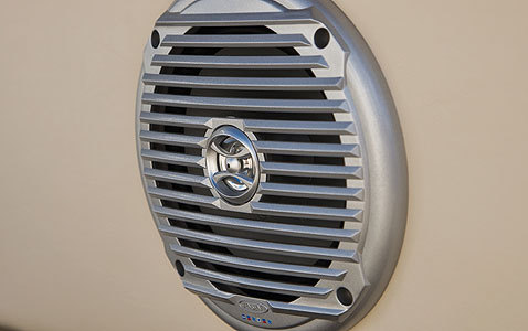 com_images_feature_images_large_f_08pk_speaker1