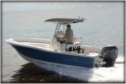 2014 - Pioneer Boats - 220 Bay Sport