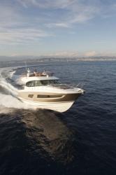 2017 - Prestige Yachts - Prestige 420