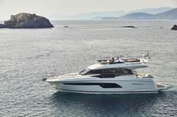 2018 - Prestige Yachts - Prestige 520