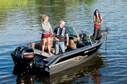 2015 - Princecraft Boats - Platinum SE 176
