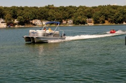 2014 - Qwest LS - 820 XRE Sport Cruise